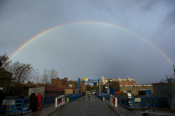 @BrooklynBased Rainbow over the Gowanus just a few minutes ago. Still smell likes gasoline though. http://pic.twitter.com/zy1MJHSt