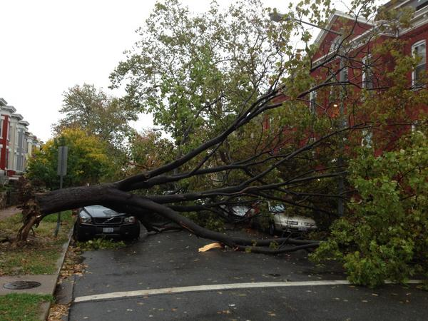 We're collecting photos from #SandyDC. @EWAEmily snapped this one: http://pic.twitter.com/ClKelw2W - Send yours in here: http://wapo.st/PEPSuJ
