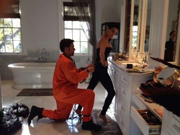 Getting ready!!! #HAPPYHALLOWEEN http://...