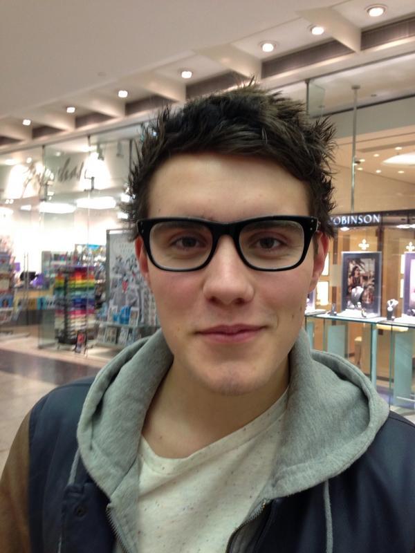 """Marcus Butler on Twitter: """"I lent my glasses to @pointlessblogtv ..."""