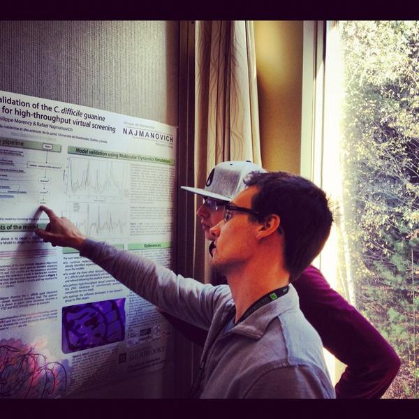 First poster session at #Journeephare2012 Great Discussions! #openaccess #pharmacology http://pic.twitter.com/7tE8DLmT