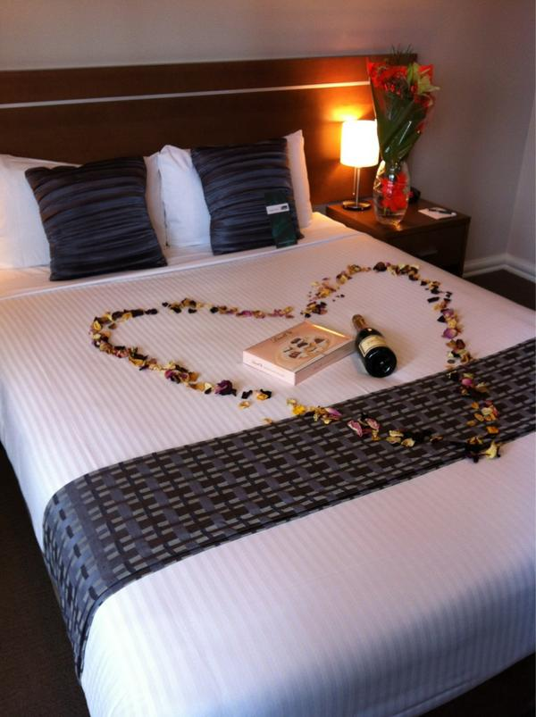 Romantic getaway for a newly engaged couple #chocolate #wine #engagement http://t.co/mPZcnDtg