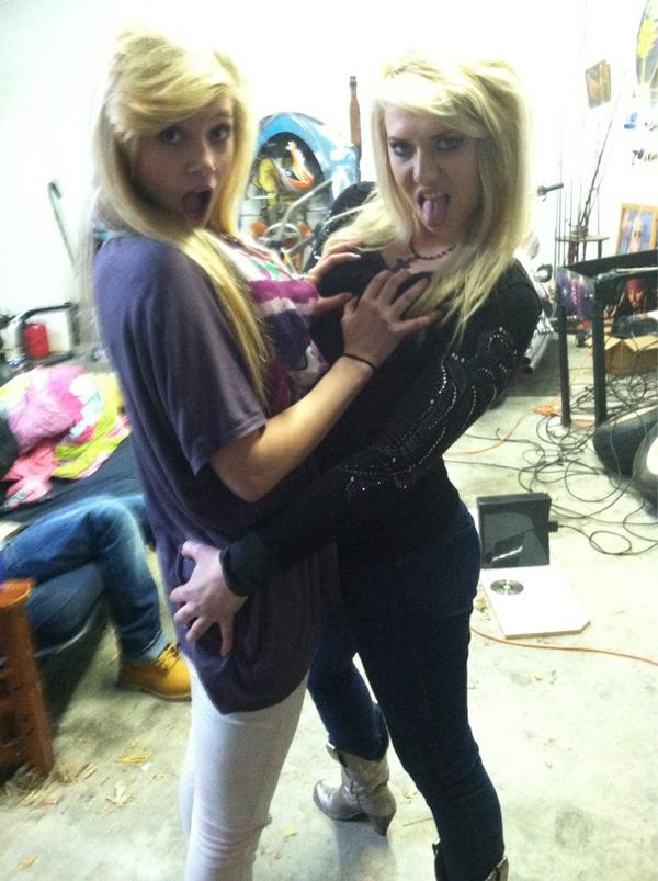 Best friends become lesbians