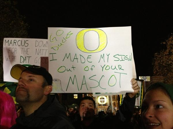 #CGDsigns #GameDay #goducks @espn http://pic.twitter.com/yvlTSNZK