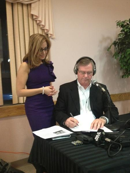 Reporters at work. It's a blast from the past! #CNYvotes #Election. http://pic.twitter.com/ZL6OYTmu