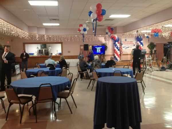 With still about an hour left of voting it's quiet here right now. http://pic.twitter.com/N6e8rROa