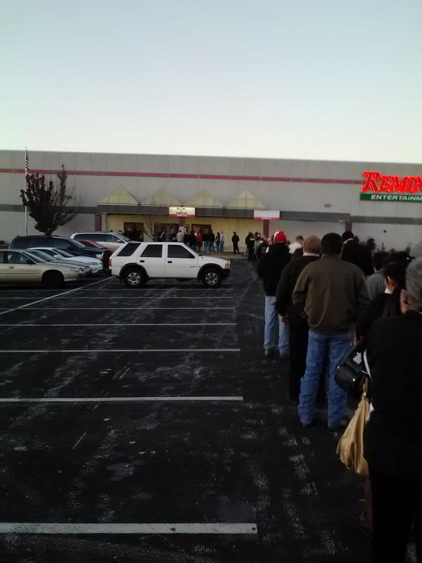 RT @AaronLaPoint:  lines at least 150 deep in Springfield, MO http://pic.twitter.com/DoIDV28d