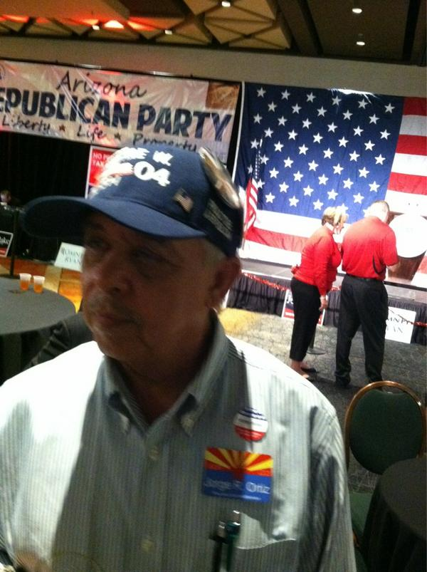 Jorge Ortiz introduced himself a as a Latino who voted for Sheriff Arpaio earlier tonight.#AZGOP #electionday2012 http://pic.twitter.com/3ZtrxGuJ