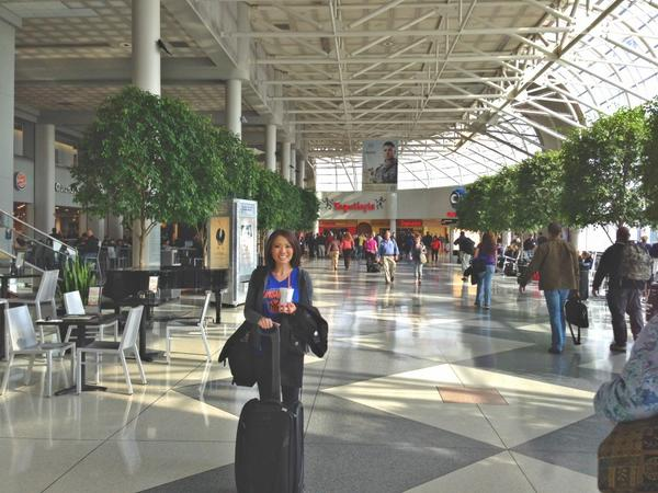 At @cltairport getting ready for flight to LA to cover red carpet & behind the scenes of @nbcthevoice! http://pic.twitter.com/qKN9cyK1