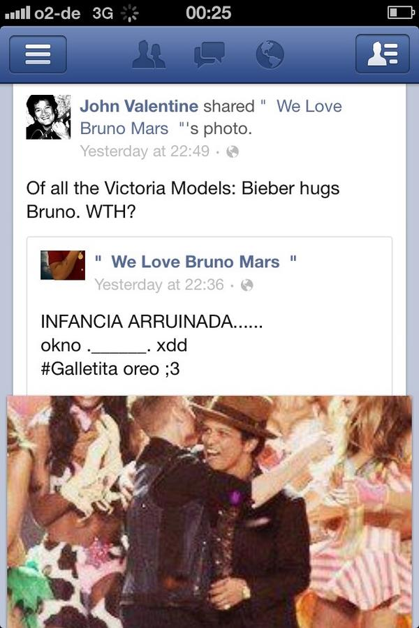"""""""Of all the Victoria Models. Bieber hugs Bruno. WTH?"""" Lol Bruno's uncle. http://t.co/YFMUNiV8"""