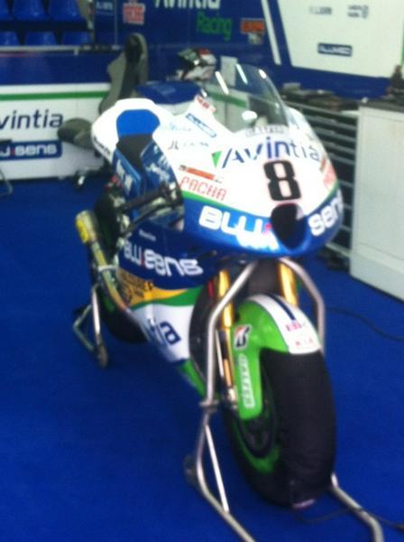 La nueva moto de @HectorBarbera http://pic.twitter.com/iL0GQrIU