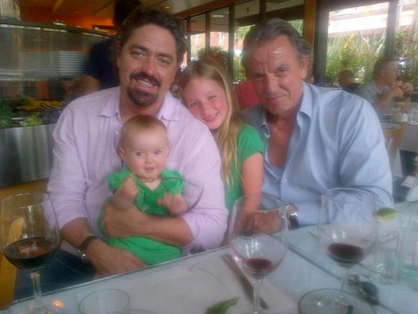 Молодые и Дерзкие со своими родителями и семьей A8-8tFMCIAAg0H0