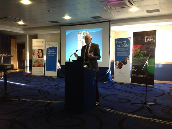 Colin Jackson former Rangers player provides a players welcome to the #memoriesfc conference pic.twitter.com/FhDHIkBO