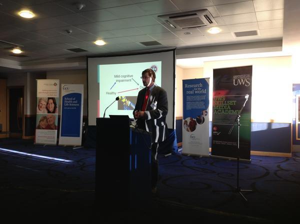 Prof John Starr, Scottish Dementia Clinical Research Centre up talking abt non-drug therapies in dementia #memoriesfc pic.twitter.com/2gQKtRKa