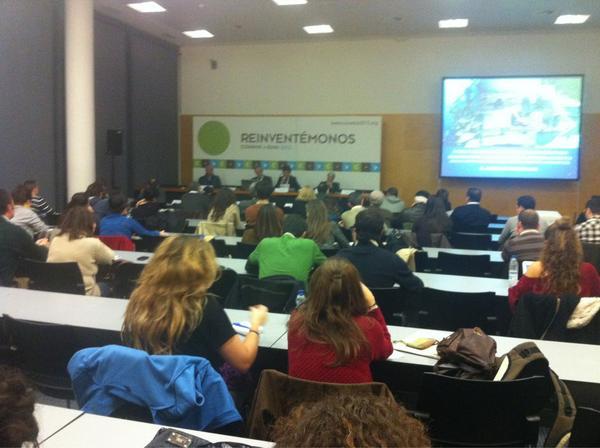 La sala llena para debatir sobre #cazasostenible en la #AE9 de #Conama2012 http://pic.twitter.com/5iabZTY8
