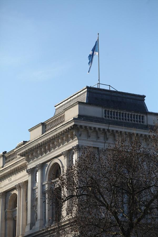 Today the flag of #Scotland has been flying over the @foreignoffice to mark St Andrew's day http://pic.twitter.com/QXV6WjOr