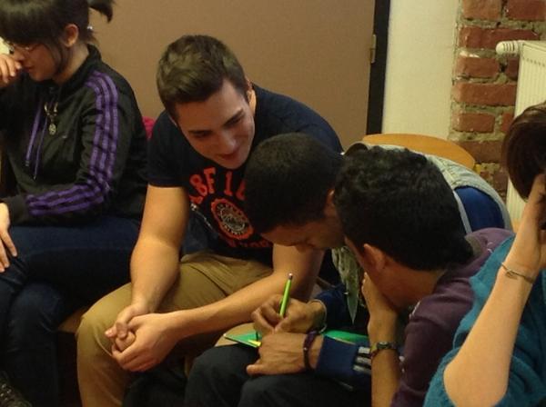 pour faire avancer l'égalité, ça discute entre garçons #LillePlanning2012 http://pic.twitter.com/Rh4dDAxY