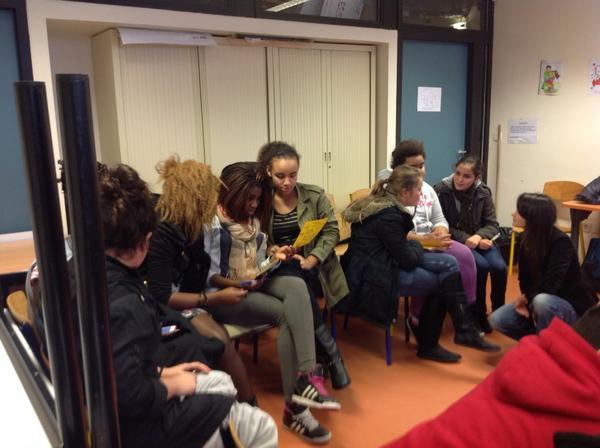 pour faire avancer l'égalité, les propositions arrivent sur les feuilles jaunes #LillePlanning2012 http://pic.twitter.com/RQvQroTs