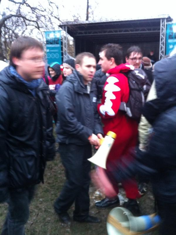 RT @LondonStudent: Liam Burns joins the crowd to finish speech with megaphone. #Demo2012 - KL http://pic.twitter.com/kcbksj61