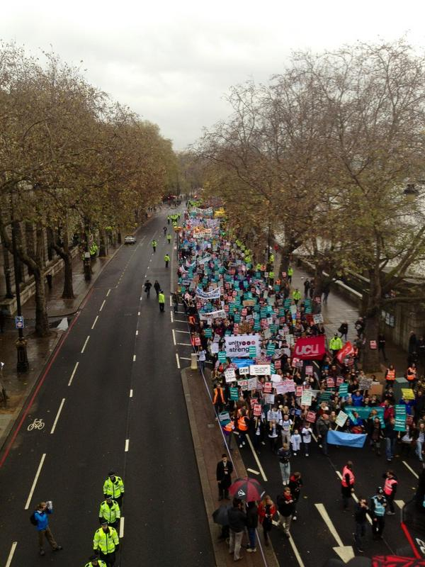 View from Waterloo bridge of the march: #demo2012 http://pic.twitter.com/8FO21pZr