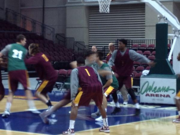 RT @Rogers4ASU: @HerbSendek and @SunDevilHoops with a little turkey day practice in Vegas. http://pic.twitter.com/NAHMw9vD