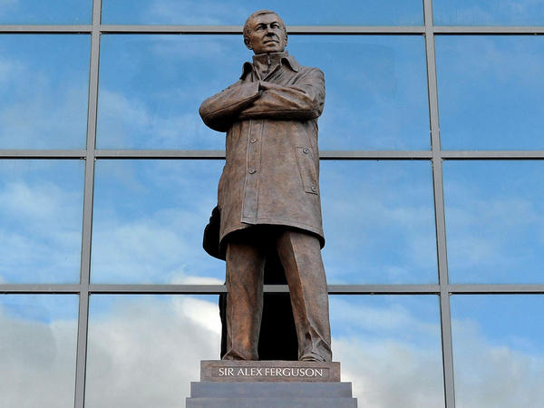 Sir Alex Ferguson statue unveiled