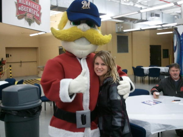 Hanging out with @Bernie_Brewer !!! Dreaming of pitchers and catchers reporting #holiday4packs http://pic.twitter.com/JJHNpNxo