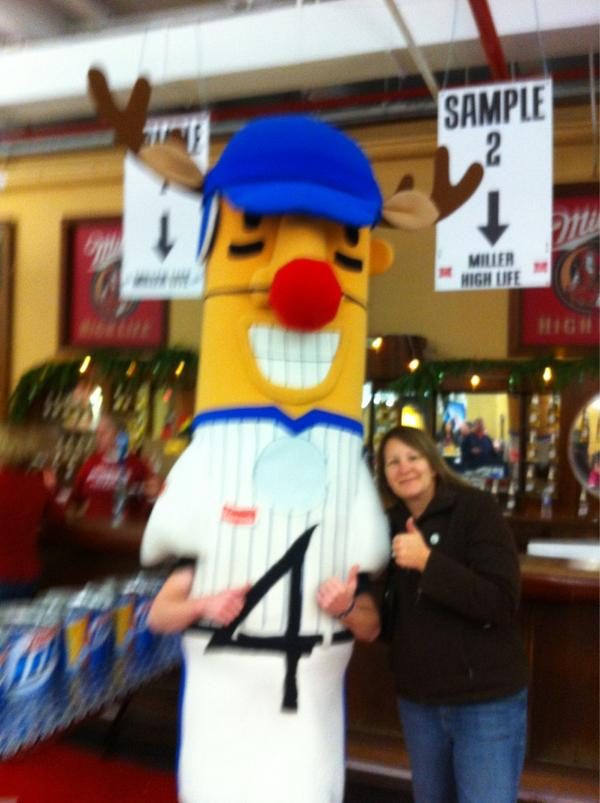 @bernie_brewer Fun at the light show!! #holiday4packs http://pic.twitter.com/y4hRs9B6