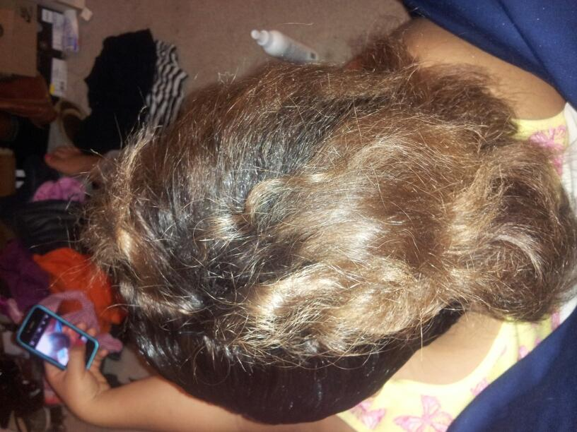 Doing my baby hair(: http://t.co/wwKYYQxw