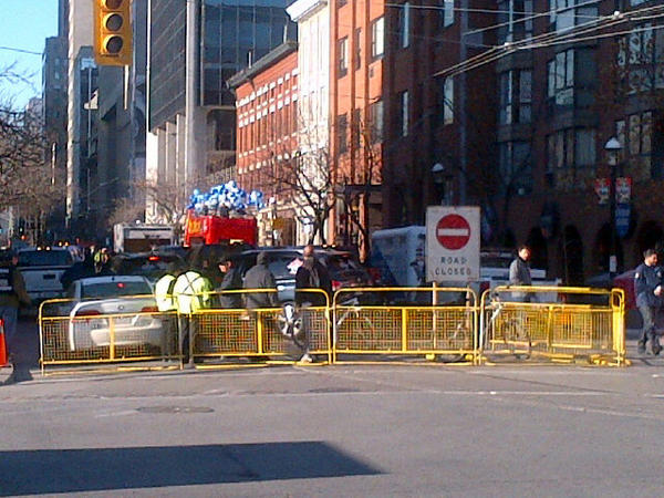 Pretty sure I just accidentally walked through the beginning of the Argos parade...#oops http://pic.twitter.com/fPpuUmFW