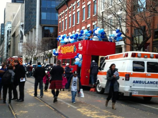At the #Argos parade. Taking part in it as I will be driving some Argos in a #Nissan Titan. http://pic.twitter.com/hZh8kNBx