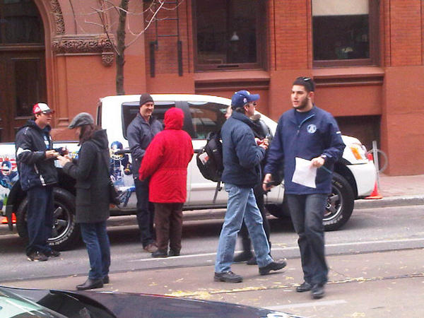 Ricky Ray has arrived at the parade. #Argos #CFL #100thGreyCup http://t.co/PRaBAMZw