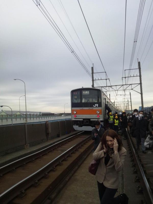 武蔵野線車両故障の様子 https://t.co/HHNjnKfv #東所沢bot