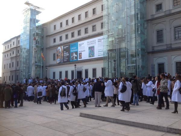 Y siguen  llegando médicos del ICOEM http://pic.twitter.com/ZacZbfVs
