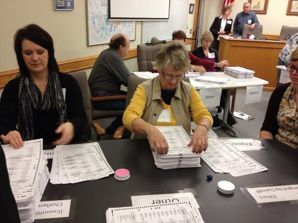 Are pictures of people recounting ballots getting old? I thought not! http://pic.twitter.com/pIpM0cxw