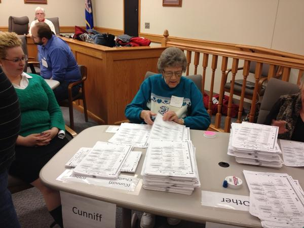 They just cracked open the last box of ballots in the Douglas County recount. http://pic.twitter.com/mn3yOUF9