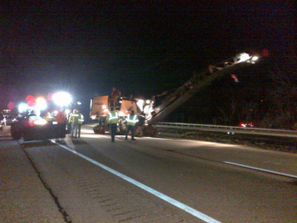 The milling machine is in place & starting to mill the northbound lanes of I-77 first. 14:00 http://pic.twitter.com/pl1bmi6q
