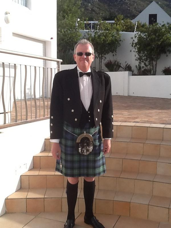 Not quite Scotland in December! I am sporting a Forbes Tartan for St Andrew's night dinner. http://pic.twitter.com/A15MeVox