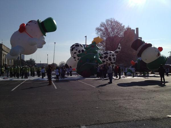 @CBS6 balloons at #rvaparade getting ready #rva http://pic.twitter.com/H2PDAU2W