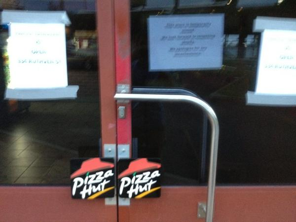 craig zonca on twitter another pizza hut dine in closes. Black Bedroom Furniture Sets. Home Design Ideas