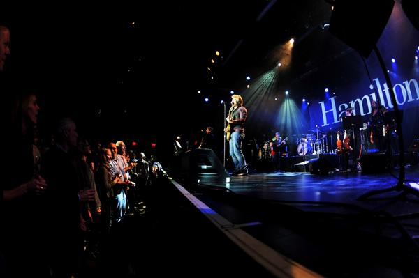 Jon Bon Jovi performs for alumni, students, family/friends to benefit scholarships & the arts @ Hamilton #hamiltonjbj http://pic.twitter.com/i8sAXAPM