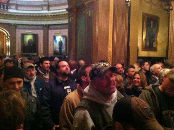 "RT @MIAFLCIO: Packed outside the senate gallery. Waiting to go inside""Who's house? Our house!!"" #SaveMI #1u #p2 http://pic.twitter.com/73b05m8p"