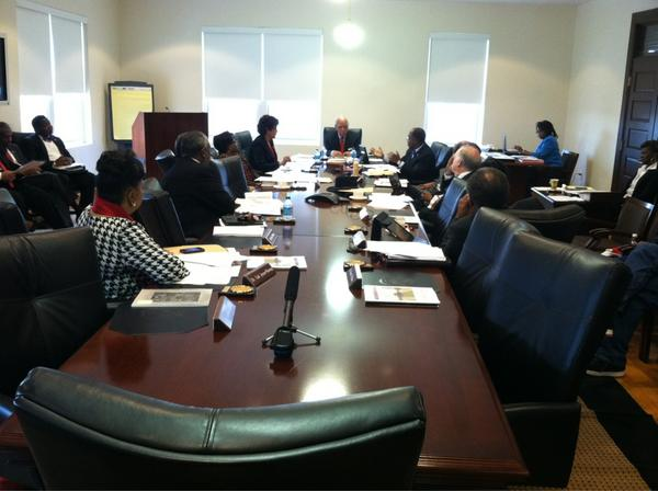 "#SCSU board still talking about ""vision/moving forward"" but has yet to touch on $6M deficit. http://pic.twitter.com/fLJPX0Y7"
