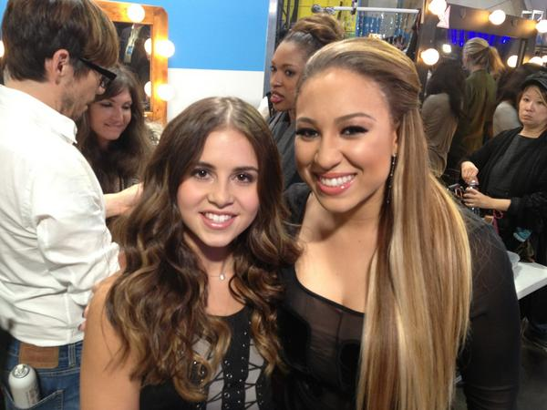 Got to meet the lovely @carlyrosemusic earlier - she's such a sweetheart! #XFLiveTweet http://t.co/gujMUANd