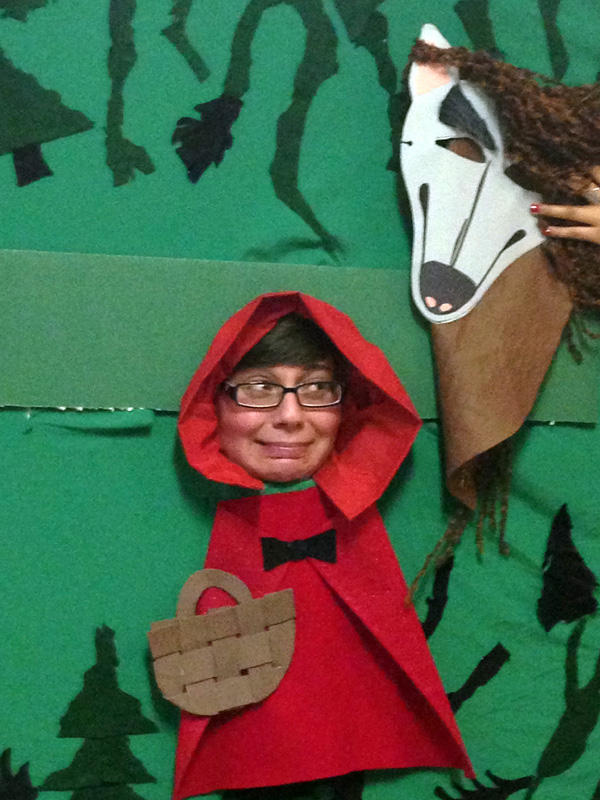 When you join us at #GrimmFest tonight for The Brothers Grimm you can dress up as Little Red Riding Hood! http://pic.twitter.com/lT85w7as