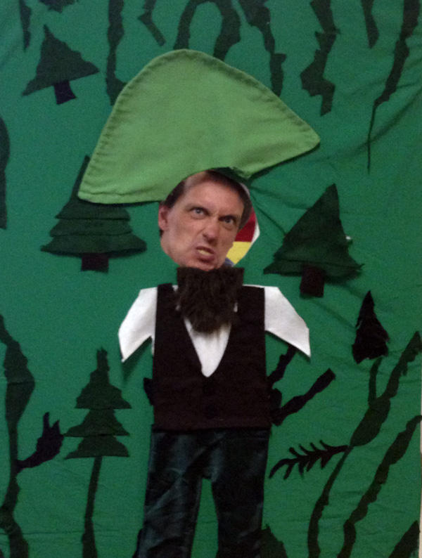 If you're attending The Brothers Grimm at #GrimmFest tonight, be sure to snap a picture as Rumpelstiltskin! http://pic.twitter.com/Ud4t4yTU