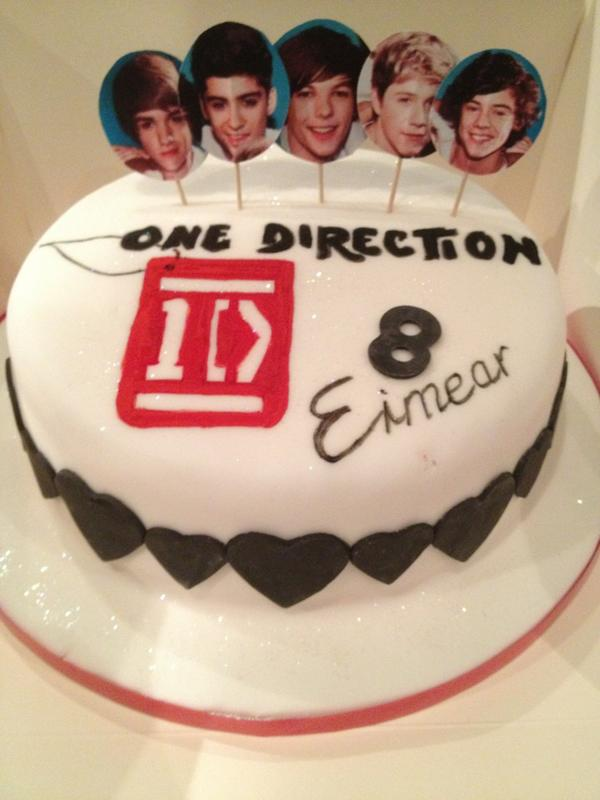 Tremendous Whatsupcupcake On Twitter One Direction Birthday Cake Xfactor Personalised Birthday Cards Paralily Jamesorg