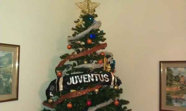 Albero Di Natale Juventus.Filippo Greco On Twitter Juventusfc Il Mio Albero Di Natale Palermitano Avantijuve Http T Co R8locgro
