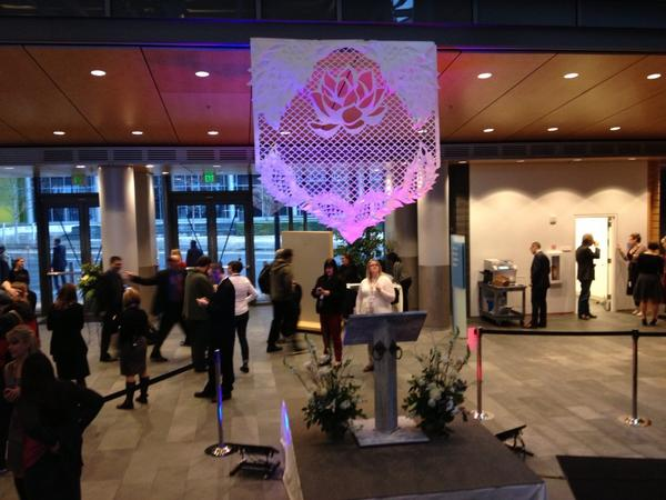 Seattle city hall filled with decorations, media and a couple people about to get hitched #MEdayWA pic.twitter.com/zXBxewOx