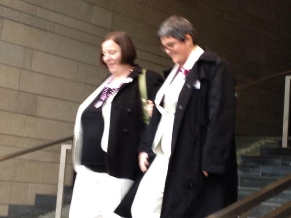 Newly married Danielle and Robin Wyss. #MEDayWA. pic.twitter.com/iqJOhrh9